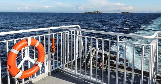 Barco y salvavidas